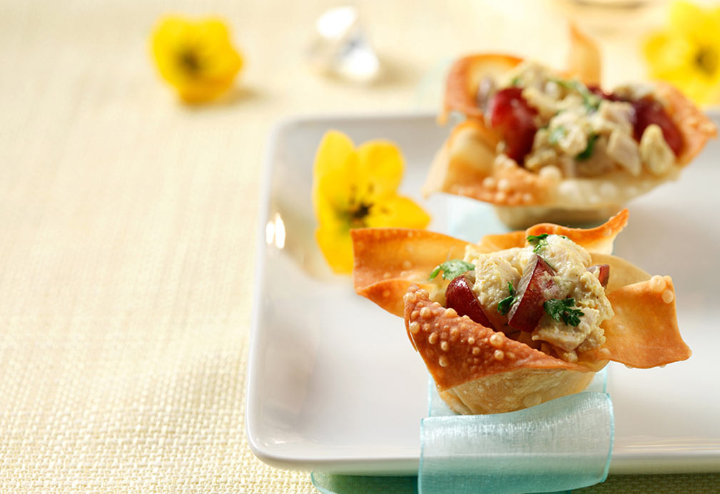 Curried Chicken Salad in Crisp Wonton Cups