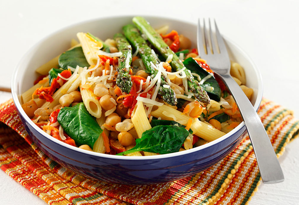 Penne with Chickpeas, Spinach and Roasted Asparagus