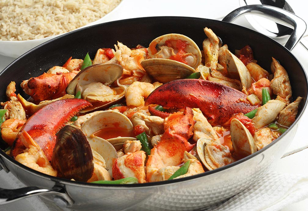 Chicken and Seafood in Tomato White Wine Sauce