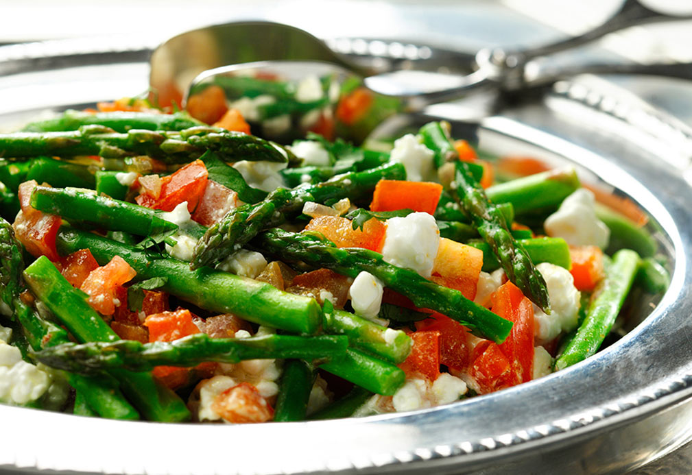 Creamy Asparagus with Tomato recipe made with canola oil by Raghavan Iyer