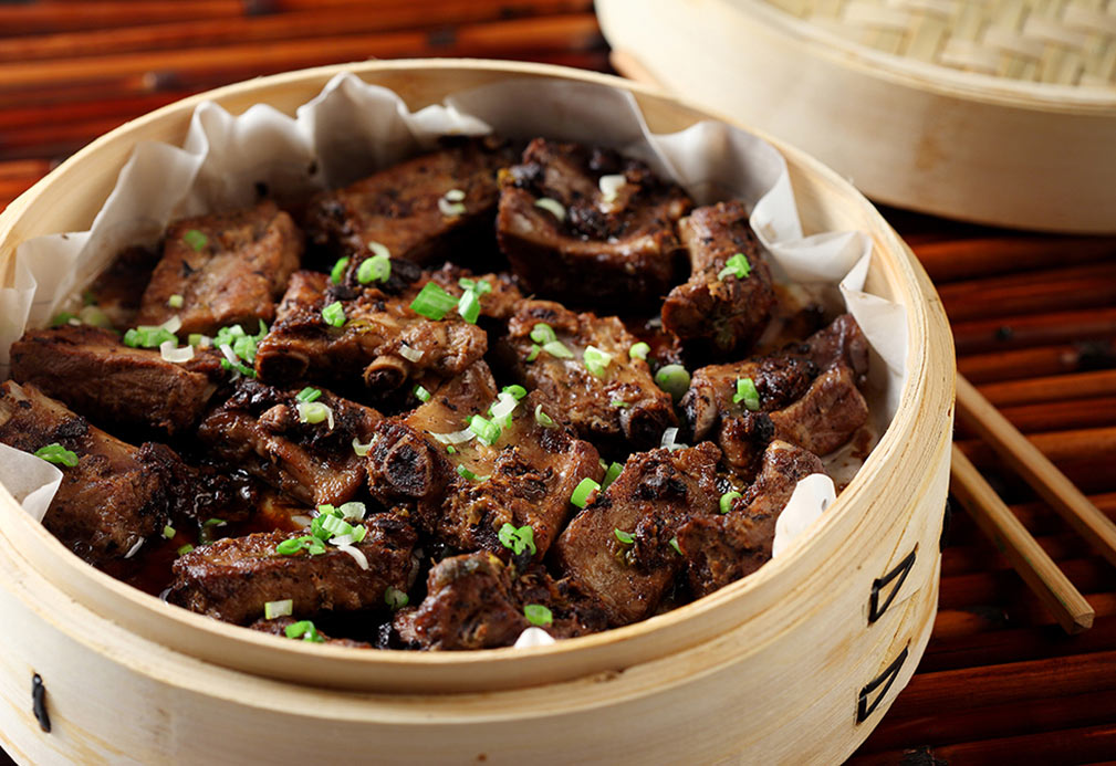 Steamed Black Bean, Ginger, and Garlic Spareribs recipe made with canola oil by Stella Fong