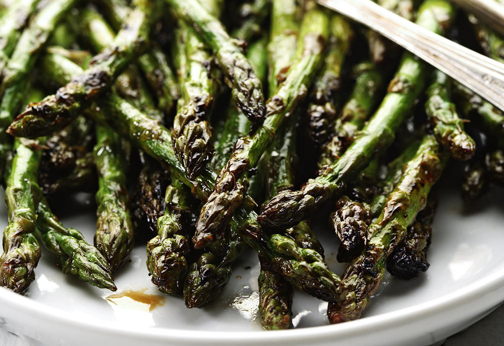tangy grilled asparagus made with canola oil