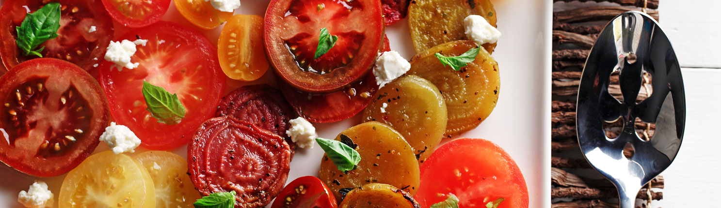roasted beet and tomato salad made with canola oil