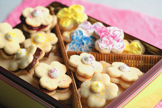 Sweet and Simple Canola Cookies recipe made with canola oil