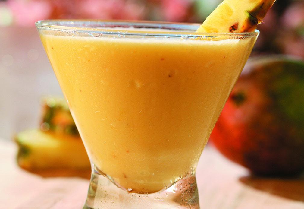 Licuado de plátano, mango y jengibre