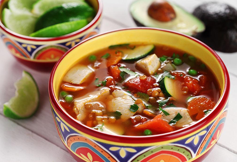 Sopa de pollo a la mexicana