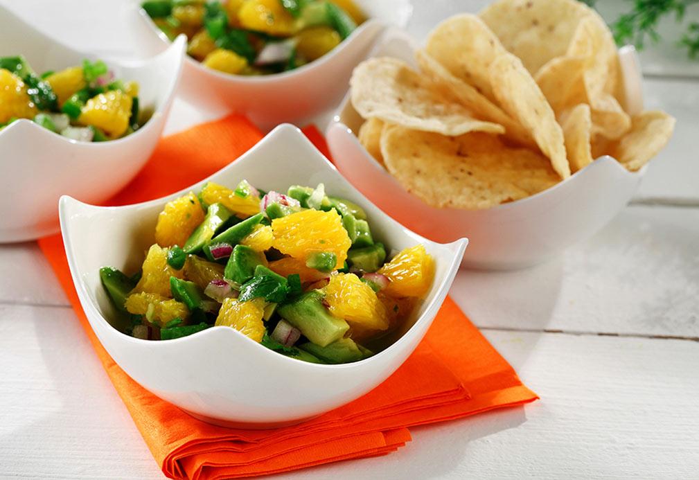 Exótica ensalada mexicana de aguacate y mandarina