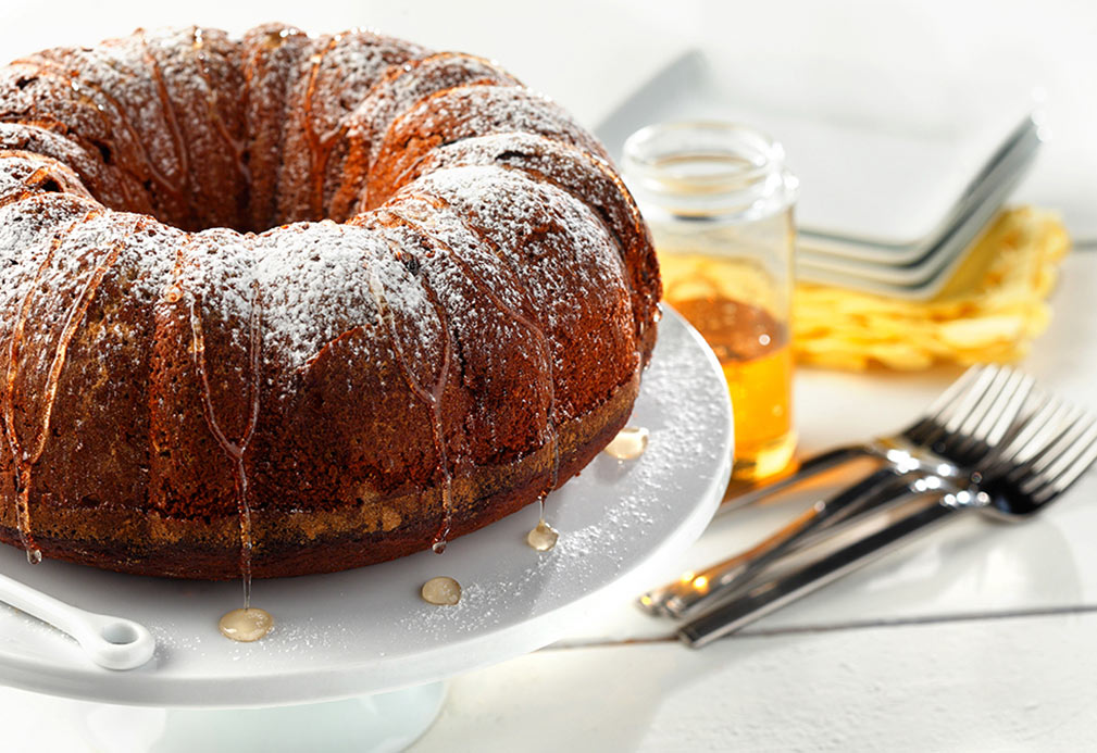 Honey Cake recipe made with canola oil by Nettie Cronish
