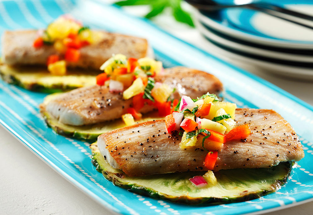 Mahi Mahi with Pineapple Salsa recipe made with canola oil by Julie DesGroseilliers