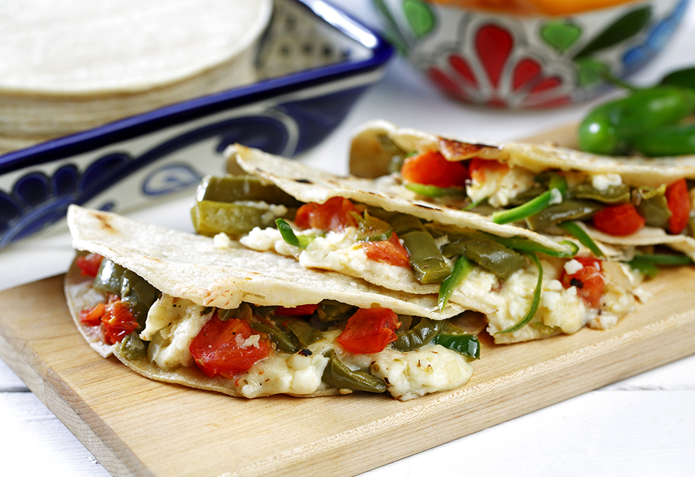 Quesadillas de nopales y requesón