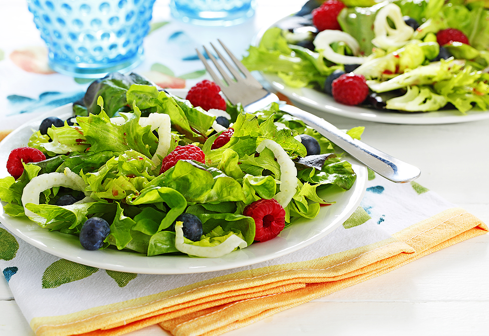 Pomegranate-Ginger Salad with Fresh Fennel