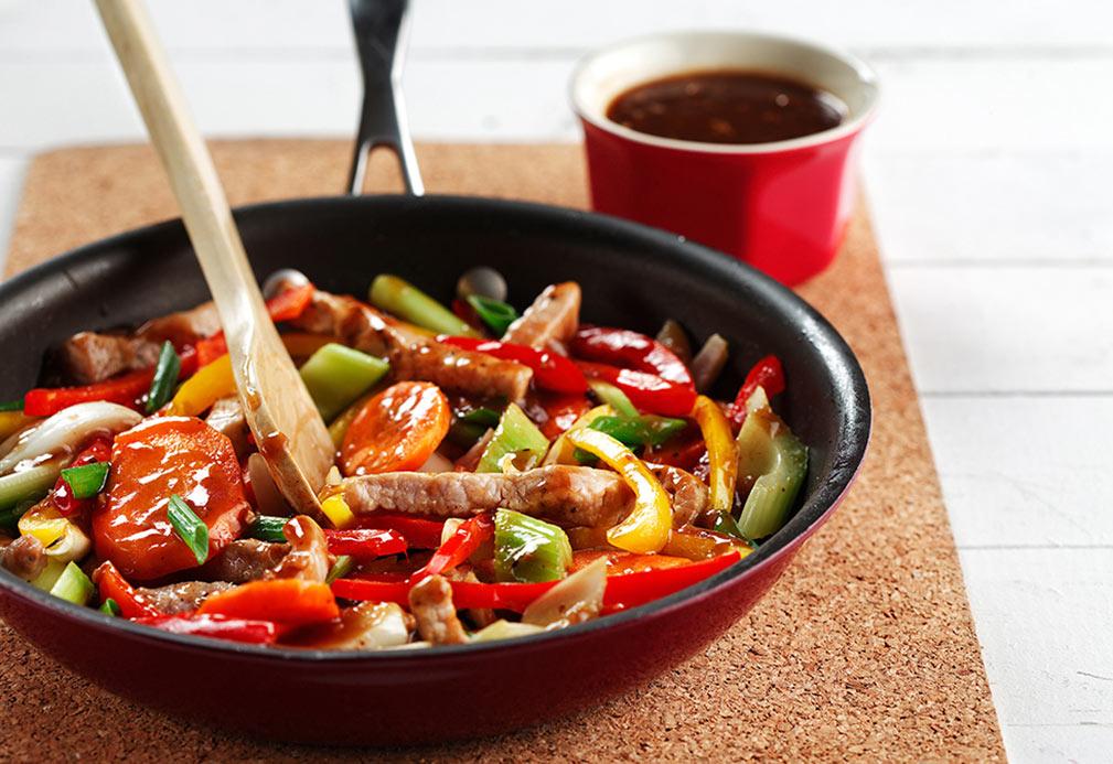 Salteado de carne de cerdo con salsa de frijoles negros