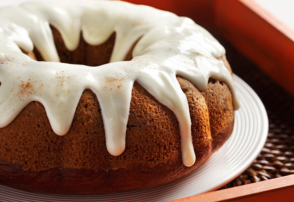 Pumpkin Cake with Cream Cheese Drizzle recipe made with canola oil by George Geary