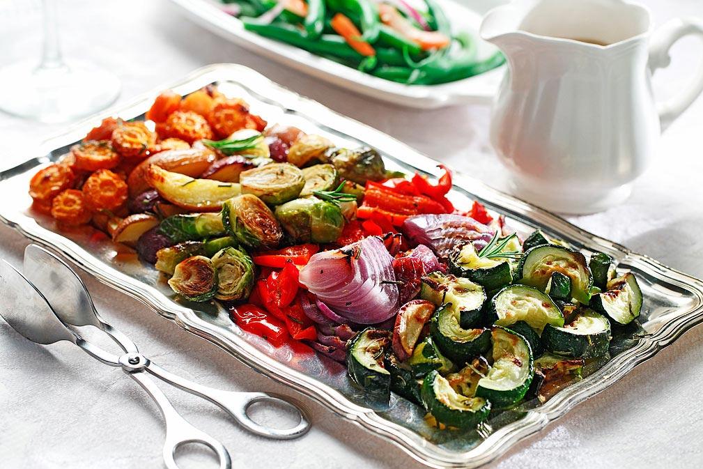 Verduras de invierno con papas tricolor asadas