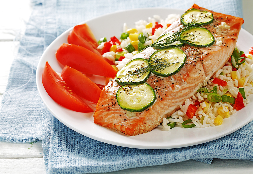 Salmon with Sliced Zucchini recipe made with canola oil by Guadalupe Garcia de Leon