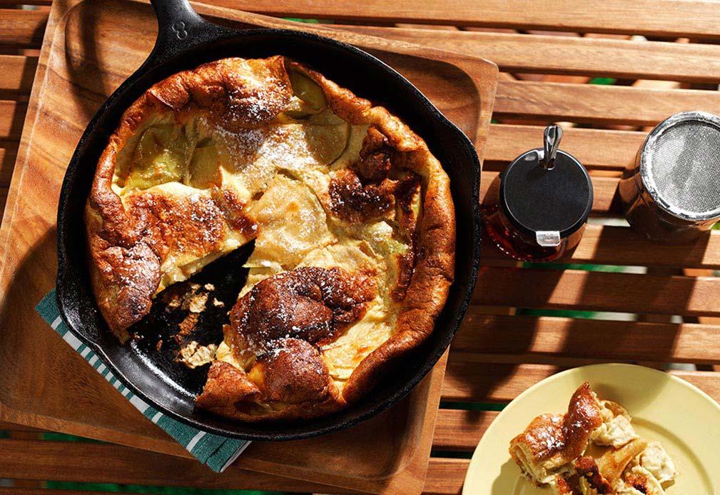 Panqueque de grano entero con manzana al horno